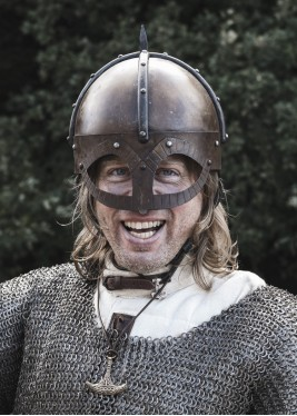 Le casque Gjermundbu avec aventail riveté, acier 2 mm