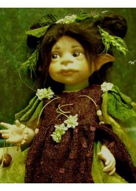 AA Fée Malva, Poupée fée en porcelaine de 42 cm, Collection de poupée fée en porcelaine